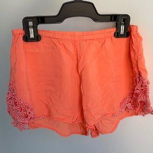 TALULA Orange Flowy Shorts w. Crochet